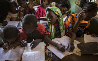 Mali conflict leaves 380,000 children out of school