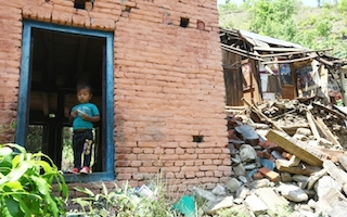 How child traffickers are exploiting the Nepal earthquake disaster