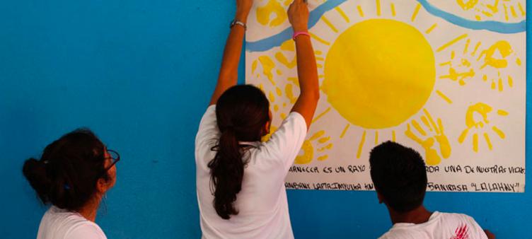Latin American children picture by Casa Alianza