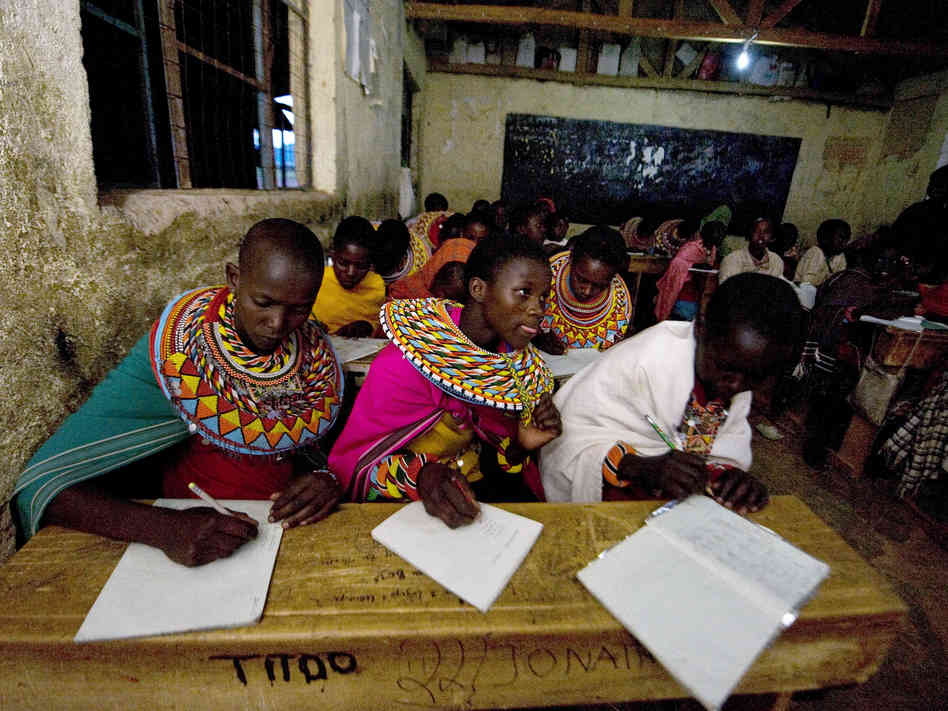 Kenyan parents take government to court over lack of free education