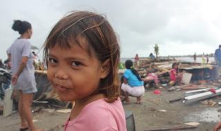 Typhoon Haiyan: international relief efforts start in the Philippines